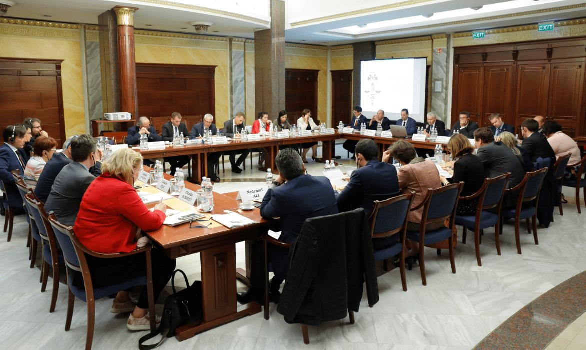 2017. szeptember 19-én Dr. Polt Péter legfőbb ügyész a hivatalában fogadta az Európai Parlament Költségvetési Ellenőrző Bizottságának (CONT) delegációját